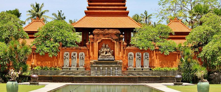 Bali is ook het land van de tempels. Honderden tempels zijn te bezoeken op het kleine eiland.