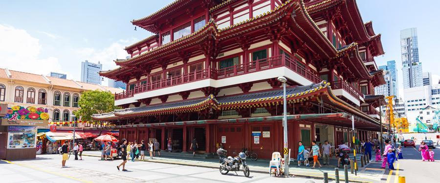 De Buddha Tooth Relic tempel. Eén van de grotere boeddhistische tempels in Singapore.