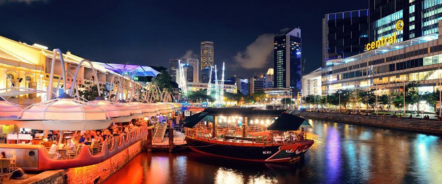 Clarke Quay in Singapore. Romantisch tafelen langs de rivier!