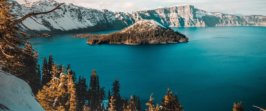 Het Crate Lake National Park in Oregon is één van de bekendste kratermeren ter wereld.