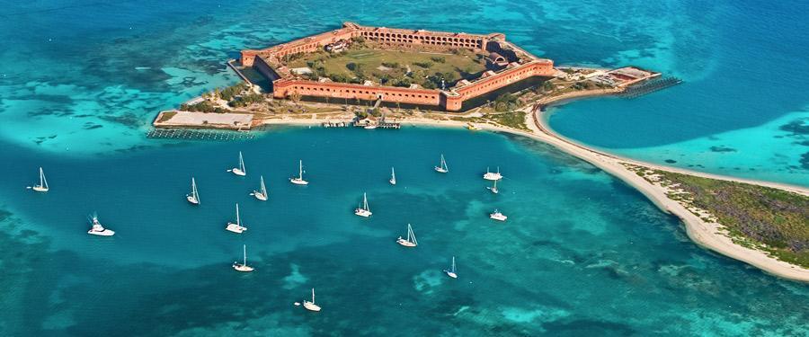 Vanaf Key West kan je met de (dure) boot naar de Dry Tortugas. Een voormalig fort dat een heel eiland inneemt!