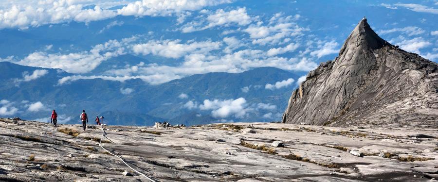 Bergbeklimmers op de Kinabalu berg in Maleisië.