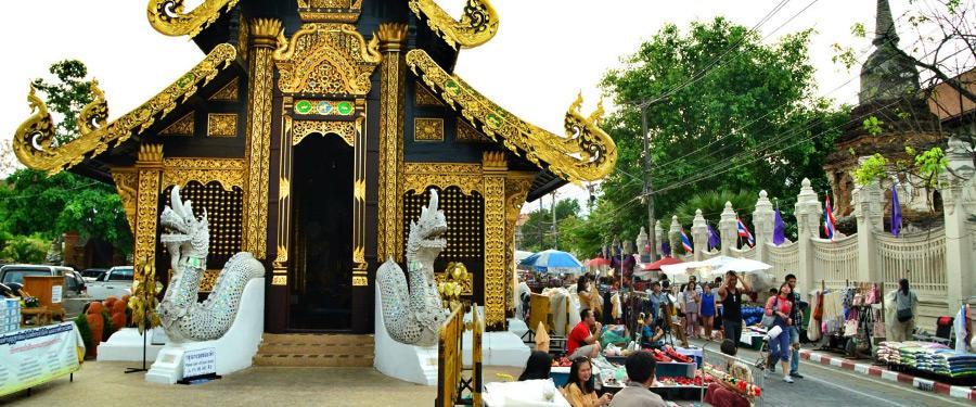 Het noorden van Thailand, Chiang Mai, staat bekend om de vele marktjes, tempels en het natuurschoon.