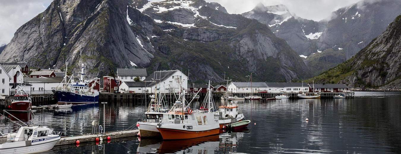 De lofoten eilanden van Noorwegen. Volgens sommigen de mooiste eilanden ter wereld, alleen niet zo tropisch...