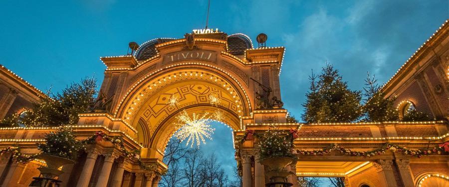 De ingang naar één van de oudste pretparken ter wereld: Tivoli!