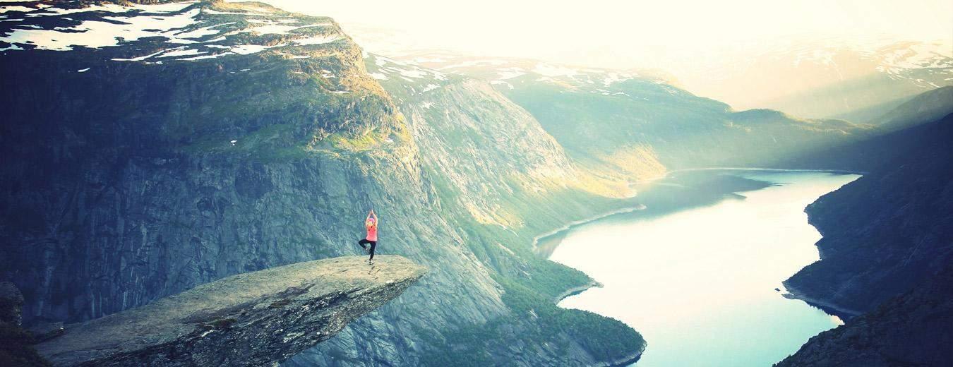 Trolltunga in het zuiden van Noorwegen is alleen 's zomers toegankelijk. Het biedt één van de spectaculairste uitzichten ter wereld!