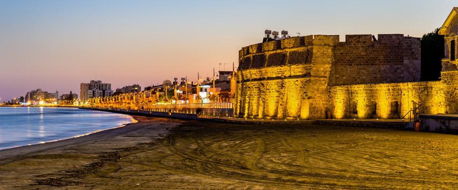 Het kasteel van Larnaca, gelegen aan het strand. Wat een uitzicht hadden die soldaten!