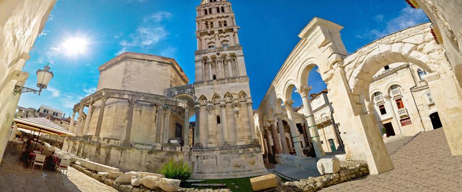 Het Paleis van Diocletianus in het oude centrum van Split.