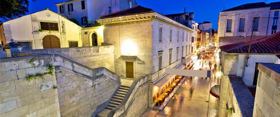 De kleine steegjes en straatjes in Zadar.