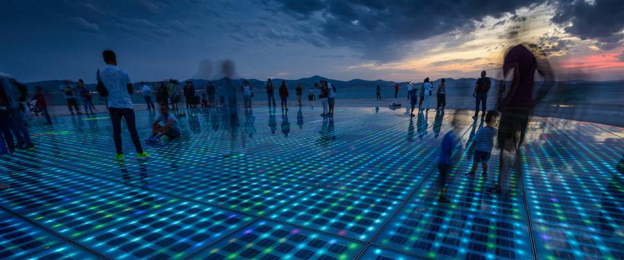 De zonnegroet of de Sun Salutation in Zadar. Een lichtspektakel op zonne-energie!