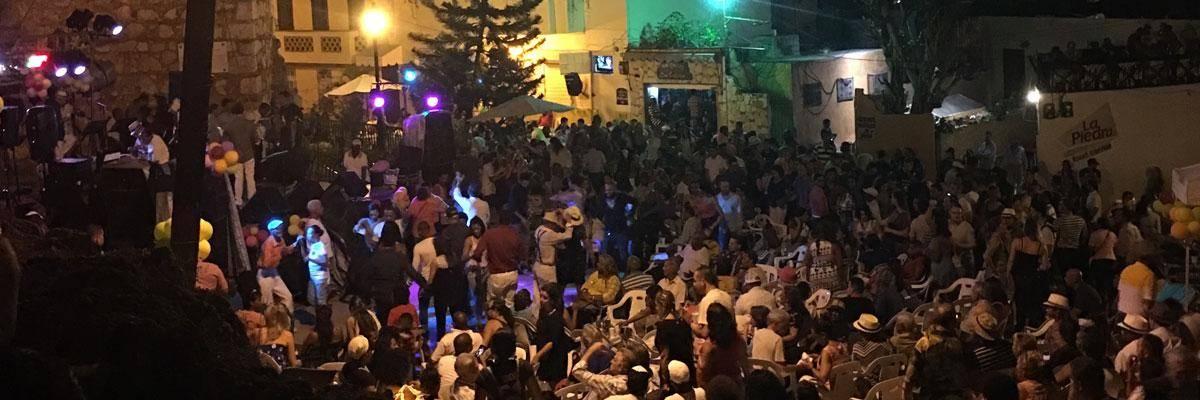 Iedere zondag wordt er feest gevierd in de Zona Colonial in Santo Domingo!