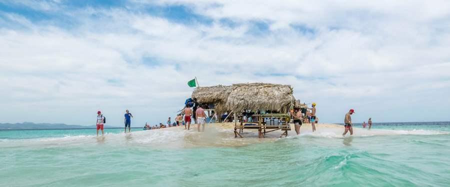 Caya Paraiso of het paradijs eiland, op iets verder dan een uur van Puerto Plata.