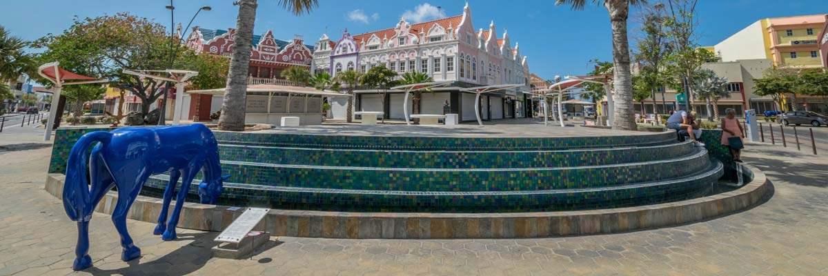 Het centrum van de Main Street in Aruba.