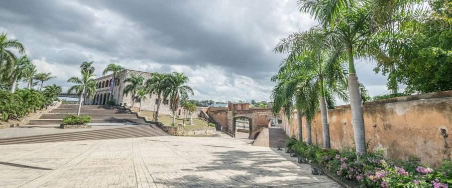 De Zona Colonial is heerlijk om door te lopen in de zonnige hoofdstad van de Dominicaanse Republiek.