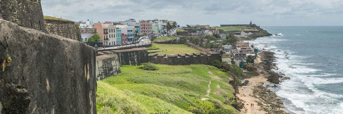 Het uitzicht van het Castillo de San Cristobal, een ander kasteel in San Juan.