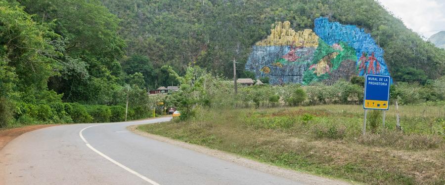 De Mural de la prehistoria. Een gigantisch kunstwerk op vraag van Fidel Castro.