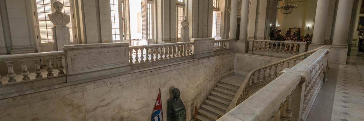Museum de la revolucion. Een saai museum met alleen maar Cubaanse propaganda.