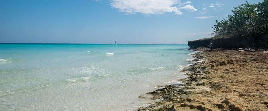 Sommige stukjes strand zijn nog niet aangetast door het groeiende toerisme.