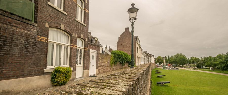 De stadsomwalling van Maastricht.