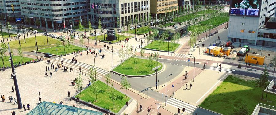 Er wordt telkens maar bijgebouwd in het futuristische Rotterdam!