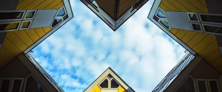 De befaamde kubuswoningen van Rotterdam, vlakbij de oude haven.