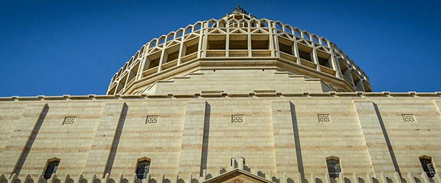De basiliek van de aankondiging in Nazareth is een van de bekendste monumenten van de stad.