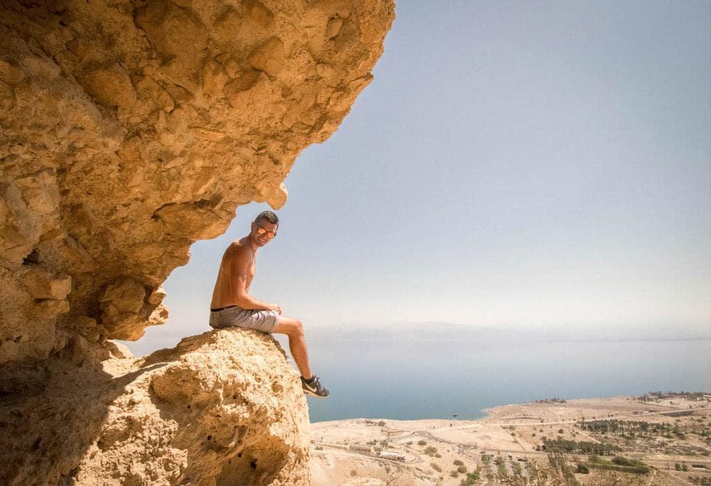 Onze vermoeiende tocht naar boven werd beloond met een prachtig uitzicht over de woestijn en de dode zee!
