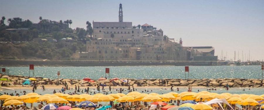 De vele stranden van Tel Aviv komen pas echt tot leven tijdens de Shabbat. Met de heerlijke water temperatuur is het ook perfect om even te zwemmen.