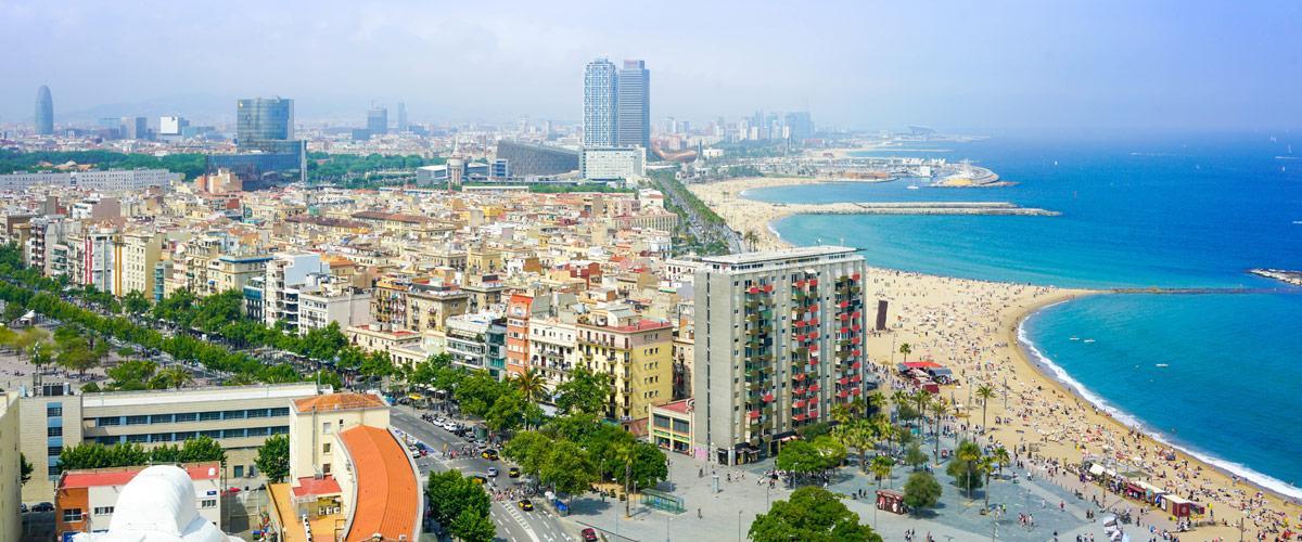 Een panorama over Barcelona.