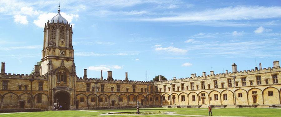 Eén van de bekende universiteitssteden in Engeland; Oxford.