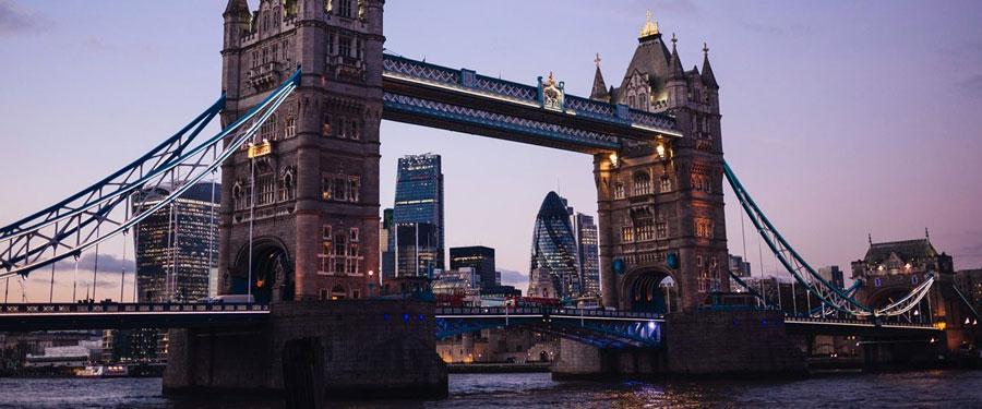 De Tower Bridge; de monumentale brug over de Thames.