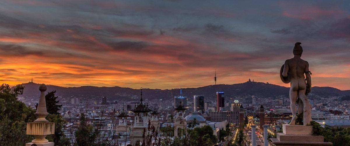 De Montjuïc berg ligt in het zuidwesten van Barcelona en geeft een prachtig uitzicht over de stad.