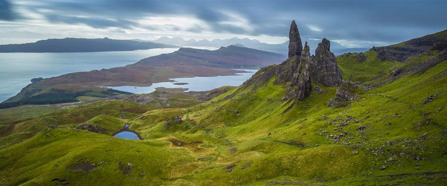 In de Schotse hooglanden vind je ook de Old Man of Storr terug. Een prachtige rotsformatie temidden van prachtige natuur!