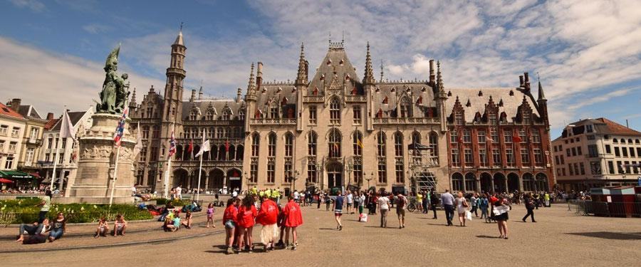 Het Provinciaal Hof in Brugge. Een prachtig gebouw dat vandaag de dag nog steeds wordt gebruikt!