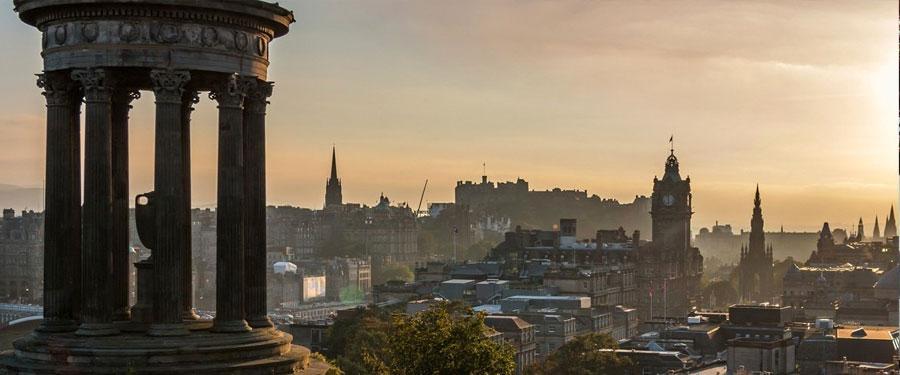 Het Dugald Stewart monument. Meneer Stewart was een van de belangrijkste verlichte geesten uit Schotland.