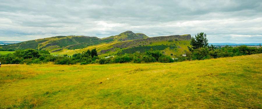 Het Hollyrood Park geeft je een prachtig uitzicht over de stad, maar het is wel even klimmen...