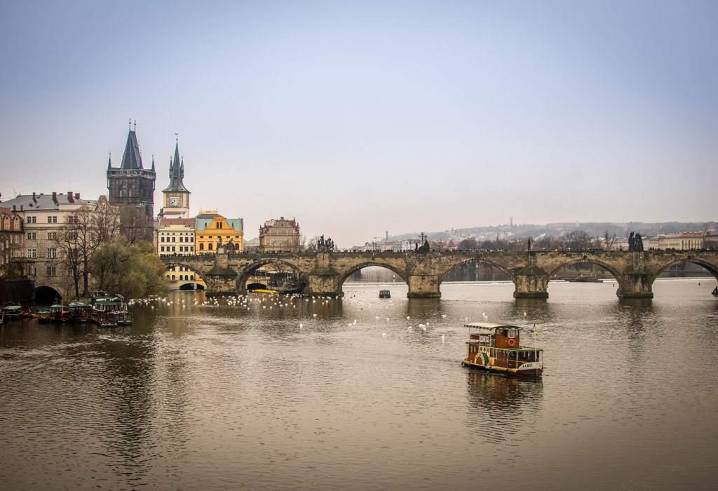 De Karlsbrug van Praag. Heerlijk om op te lopen, heerlijk om naar te kijken.