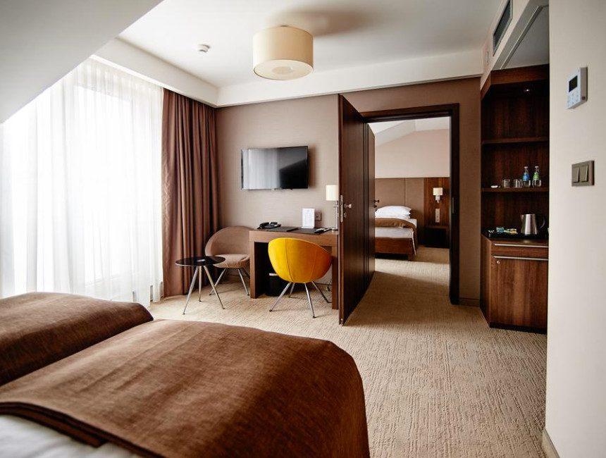 Auswitch bezoeken hotel Imperiale