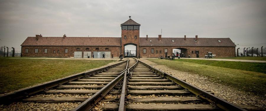 Auswitch en Birkenau (afbeelding) kamp liggen op een uurtje van Krakau. Ongelooflijk waar de mensheid toe in staat is!