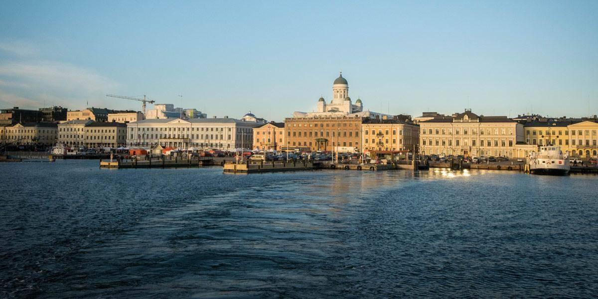 De ferry naar Suomenlinna, een oud zeefort dat nog steeds bewoond is.