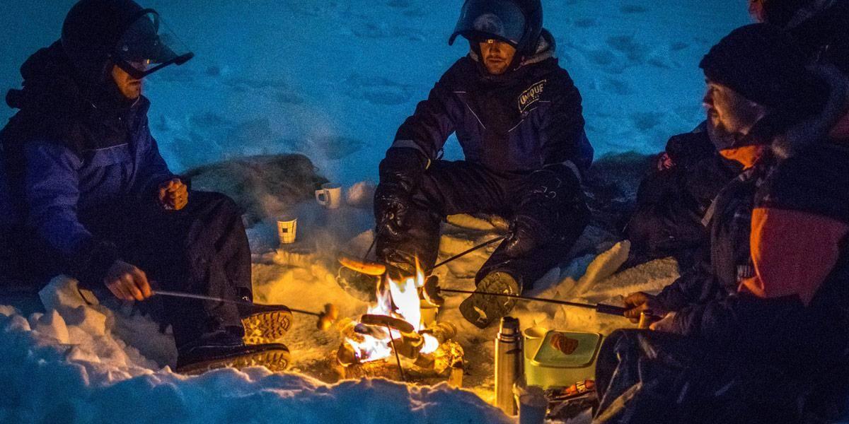 Even een picnick organiseren op een bevroren meer. Waarom ook niet?