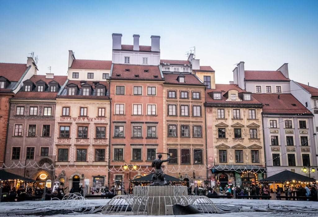 Het centrale plein binnen Stare Miasto. De gevels van de huizen zijn fenomenaal mooi!