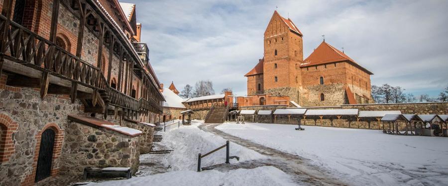 Niet zo ver van Vilnius ligt het feeërieke Trakai kasteel.