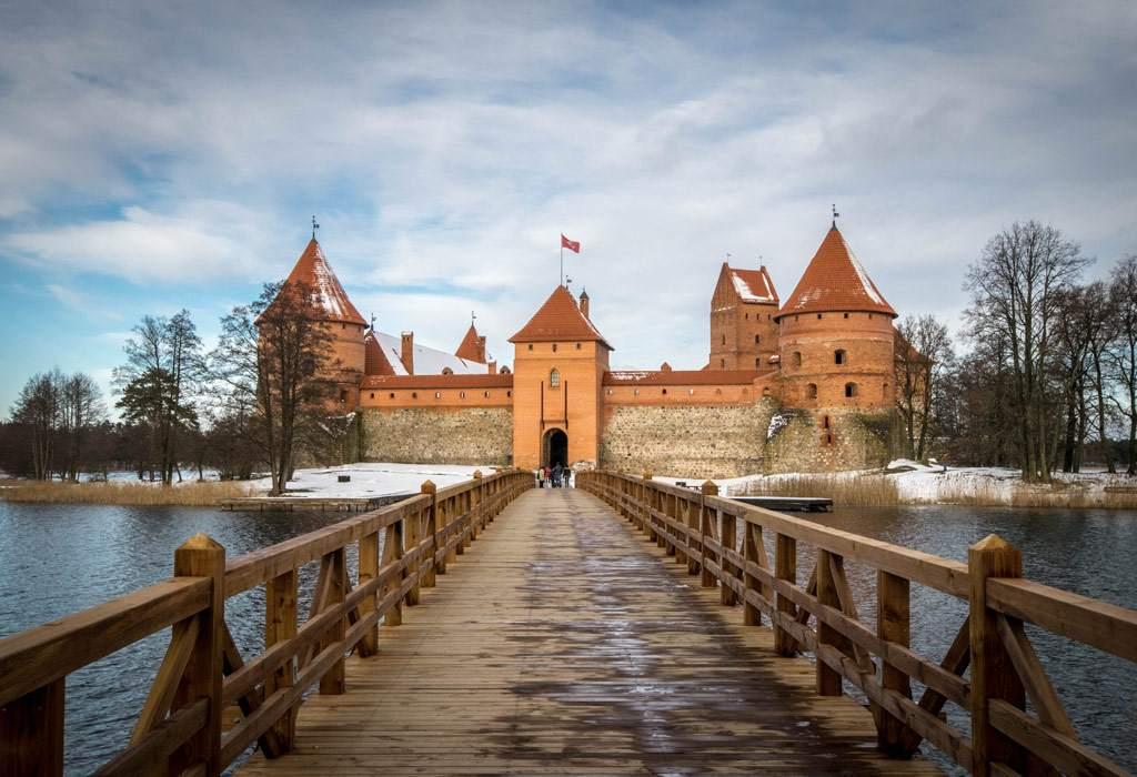 Het Trakai kasteel, ongeveer twintig kilometer buiten Vilnius. Alsof je een sprookje binnenwandelt!