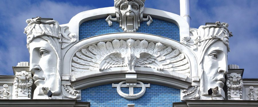 Net buiten het historische centrum van Riga vind je prachtige gebouwen in de art nouveau stijl.