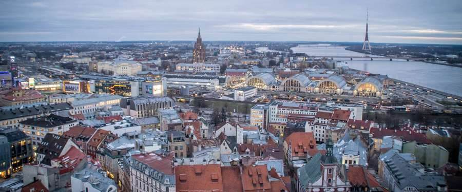 Het uitzicht vanop de Petrikerk in Riga is fenomenaal!