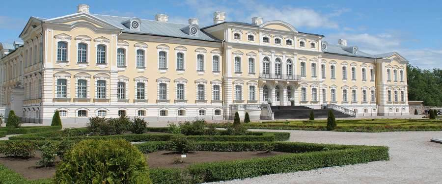 Het Rundāle paleis, zo'n 70km van Riga. Het barokke paleis werd geïnspireerd op het kasteel van Versailles.