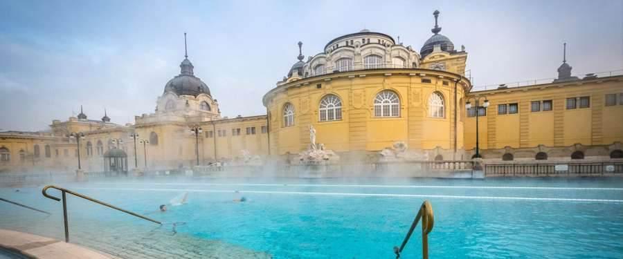 De Szechenyi baden. Grandioze thermale baden voor zachte prijsjes!
