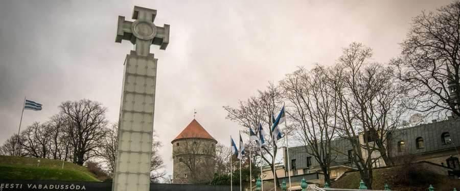 Het vrijheidsplein van Tallinn loodst je al gauw naar de knusse straatjes van de hoofdstad van Estland.