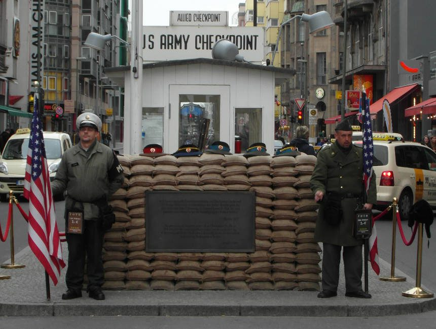 berlijnse muur checkpoint Charlie